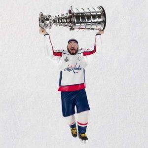 Alex Ovechkin Hallmark Ornament Caps Hockey NHL 8